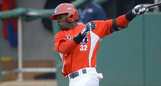 Cards ink Cuban OF Garcia to minor league deal