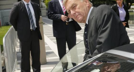 Christie confidante, awaiting sentencing in bribery scheme, seeks probation