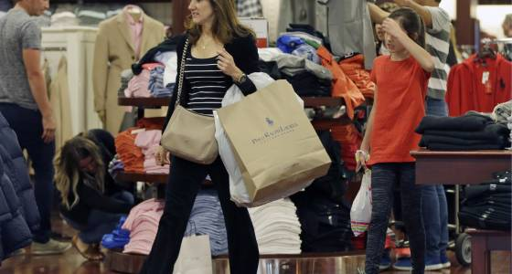 Consumer spending growth slows as rising inflation hits Americans' purchasing power