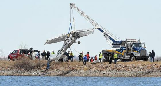 Coroner IDs 2 men killed in plane crash southwest of Berthoud