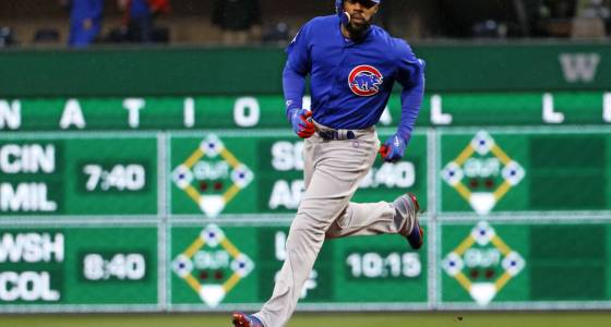 Cubs keep rolling, crush Pirates 14-3