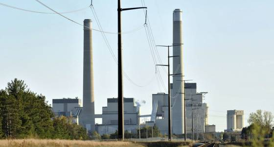 Dayton signs law allowing Xcel to build natural gas-fired plant in Becker