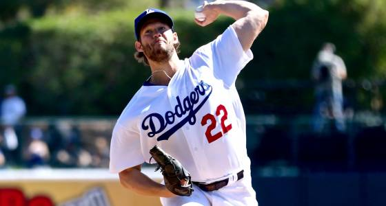 Dodgers ace Clayton Kershaw breezes through first Cactus League outing