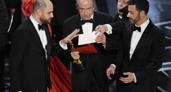 Film academy apologizes for Oscars best picture gaffe