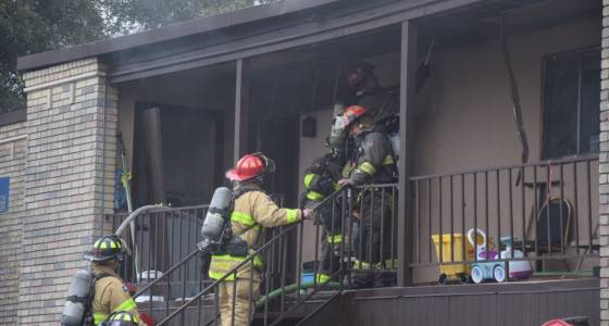 Grease fire at North Side apartment complex may displace up to 10