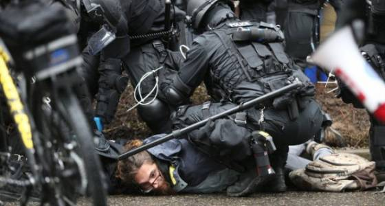 HOT BUTTON: Do you believe Portland city officials and Portland police have dealt fairly with public protesters?