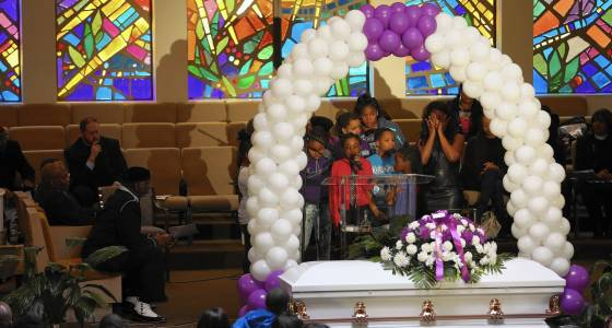 Hundreds say goodbye to 11-year-old Takiya Holmes, killed by stray bullet