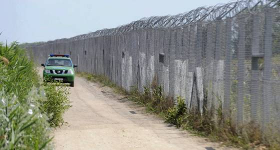 Hungary begins building second portion of its border wall