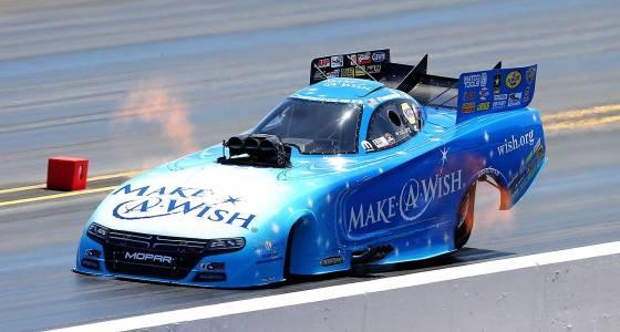 Johnson, Force top Funny Car qualifers in Arizona