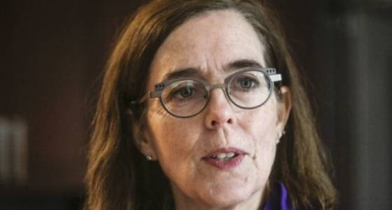 Kate Brown gets an early start on 2018 campaign