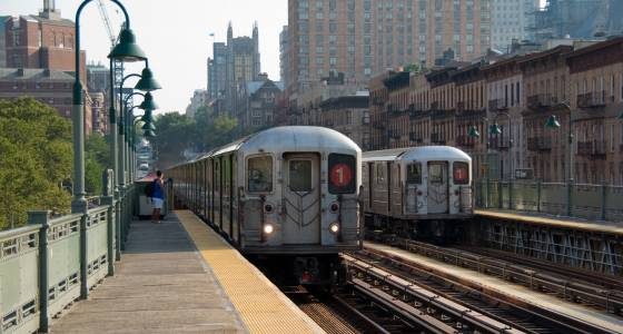 Man stabbed twice in his back on subway