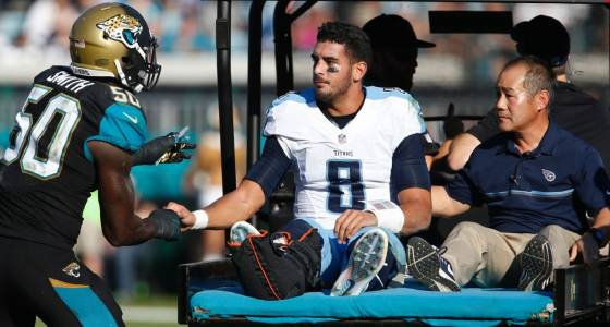 Marcus Mariota takes next step in recovery, moves into walking boot