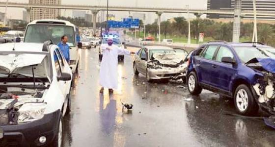 Massive traffic snarls in UAE following rains