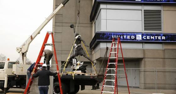Michael Jordan statue the centerpiece of United Center's East addition