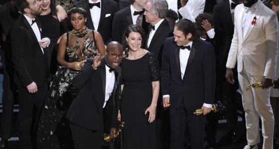 'Moonlight' stuns 'La La Land' in last-minute Oscar surprise