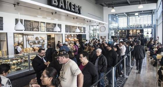 More than 1,500 line up for Porto's official grand opening in Buena Park