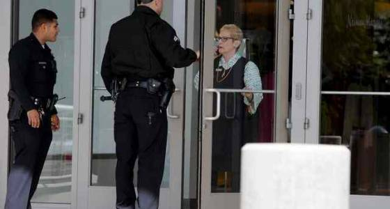 Neiman Marcus smash-and-grab robbery at Westfield Topanga ends in arrests