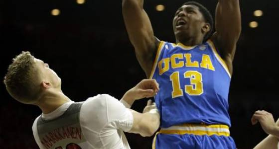 No. 5 UCLA dominates boards to edge No. 4 Arizona