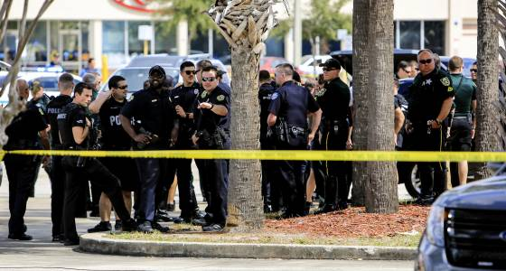 Orange County deputy shot in Holden Heights; suspect dead