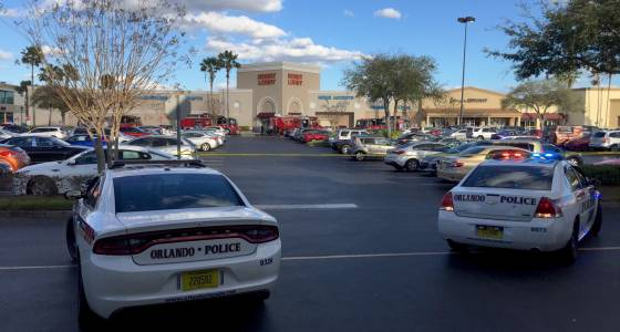 Orlando police clear suspicious suitcase found at busy Colonial Plaza shopping center