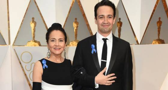 Oscar nominees put on blue ribbons in assistance of ACLU