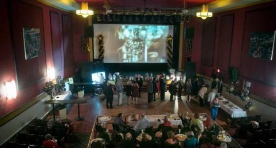 Oscar party in Sebastopol draws crowd for food bank