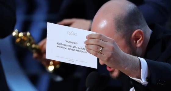 Oscars 2017: Celebrities react to 'Moonlight' in fact winning most effective image after mix-up