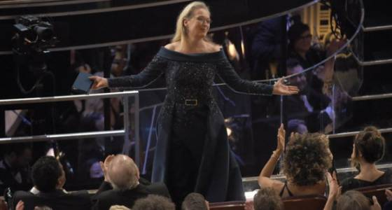 Oscars 2017: Meryl Streep gets standing ovation, Jimmy Kimmel riffs on Trump