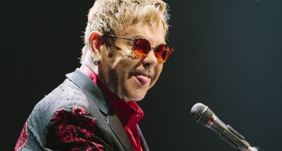 'Potentially deadly' infection forces Elton John to cancel concerts | Toronto Star