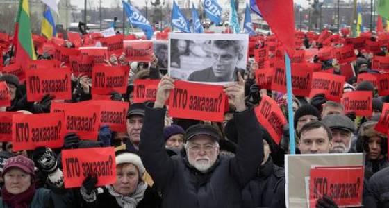 Russians march to remember slain opposition leader Nemtsov