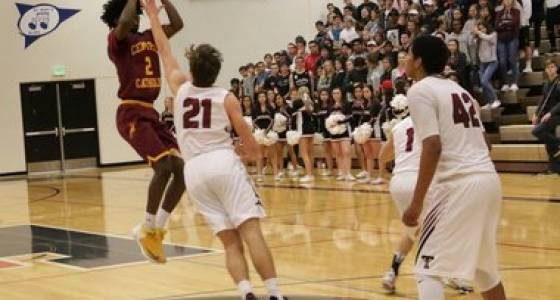 Shades of football? Amari Hale and Central Catholic leave Tualatin with 62-53 first-round win