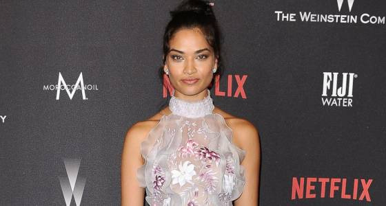 Shanina Shaik shows off how she prepares for an Oscars party