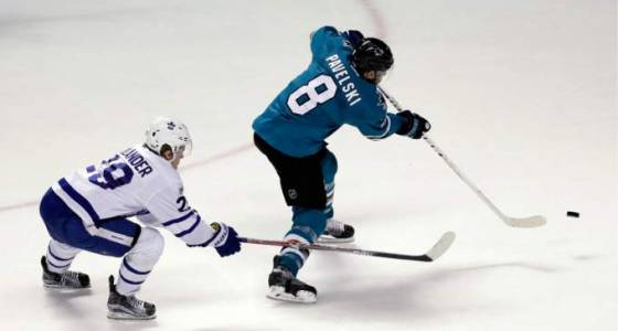 Sharks top Maple Leafs 3-1