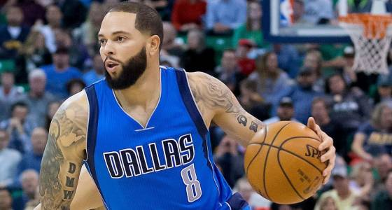 Sources: D-Will clears waivers, to join Cavs