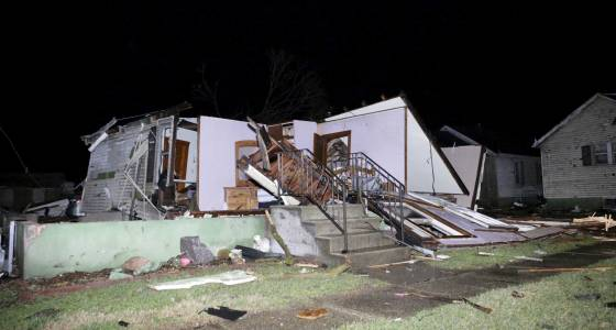 The Latest: 2nd death in Illinois blamed on severe storms