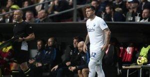 Hero's welcome for Bendtner: - Indescribable