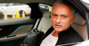 It is pure madness!!! Experts vehemently disagree on Mourinho