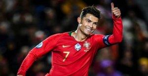 Ronaldo lover: Beats crazy record