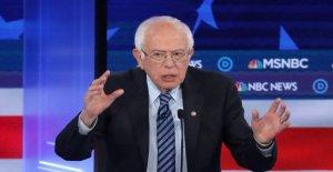 Sanders in furious attacks on Trump