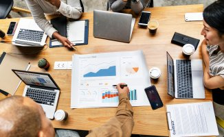 Top 3 Career Path Options for Business Analysts Preview