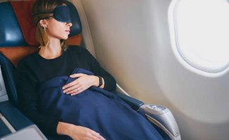 5 Tips to Sleep Well While Traveling