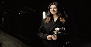 The interview with Laura Pausini after winning the Golden Globe for yes I have