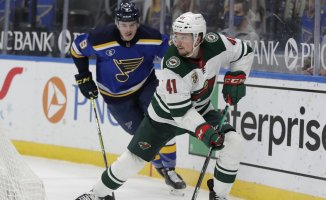 Blues score 7 straight goals to Overcome Wild 7-3