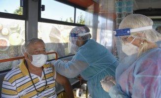 Similar goal, different routes: US and EU aim for maximum vaccine rates