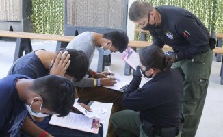 US border agents receive assistance with custody work and return to the field