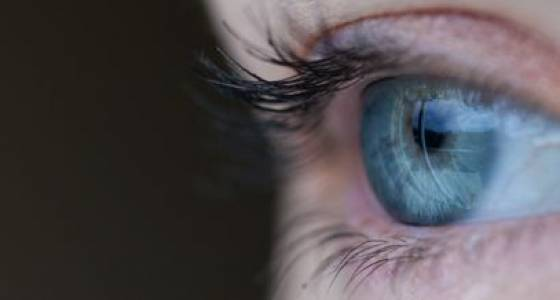 New research on eyeballs just might lead to a jet lag cure