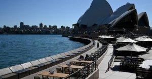 Australia shuts down for non-necessary travel domestic
