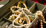Tips & Trick To Buying Jewelry Items Without Spending Much