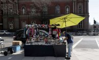 Immigrant street vendors hustling to survive the pandemic
