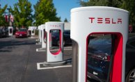 Researchers looking into Volatile Tesla Automobile crash Which killed 2 in Texas
